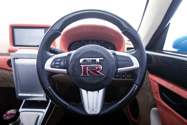 GT-R LOGO INSTALLED COPEN STEERING.