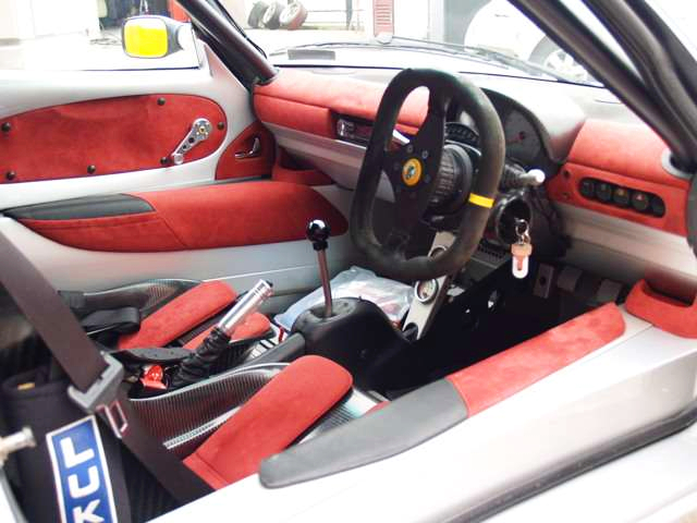 INTERIOR OF LOTUS EXIGE S1.
