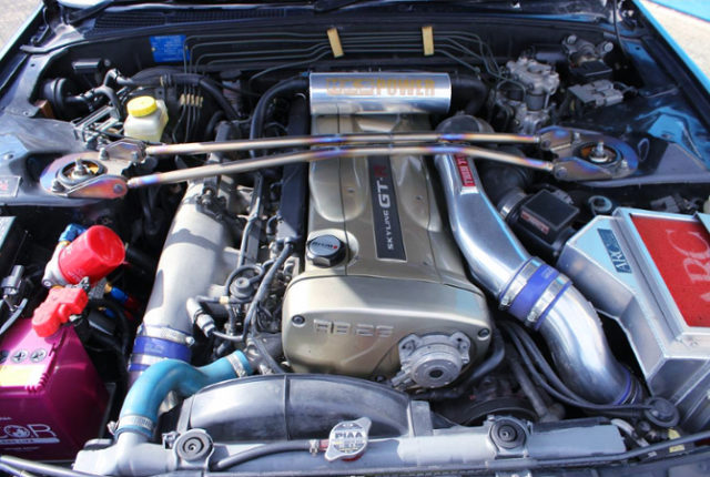 RB26DETT With HKS TWINTURBO.