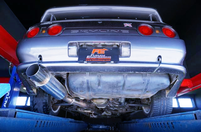 REAR UNDER OF R32 GT-R TO GUN METALLIC.
