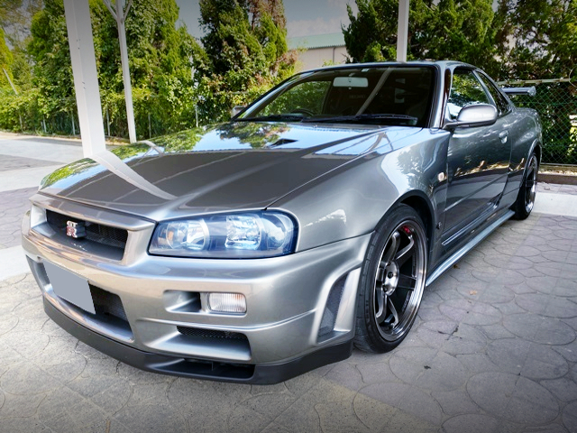 FRONT EXTERIOR OF R34 GT-R Z-TUNE.