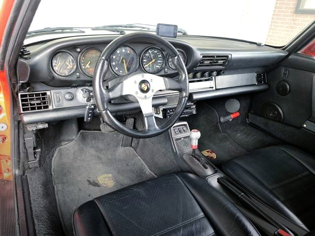 INTERIOR OF PORSCHE 964 CARRERA TIP TO RWB WIDEBODY.
