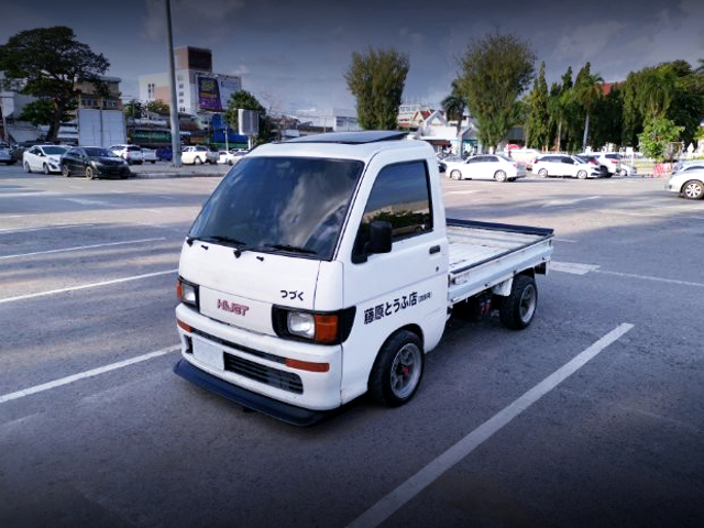 FRONT EXTERIOR OF S100P HIJET TO INITIAL-D STYLE.