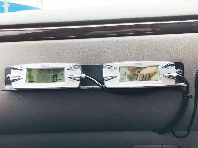 SPEED METER AND RPM METER.