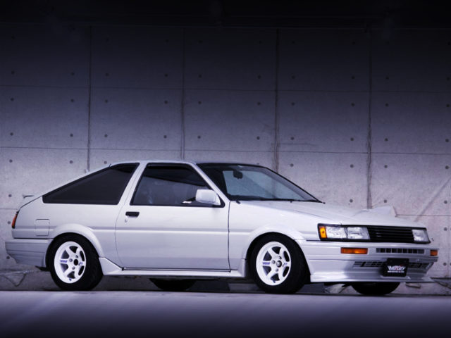 FRONT-SIDE EXTERIOR OF AE86 LEVIN GTV.