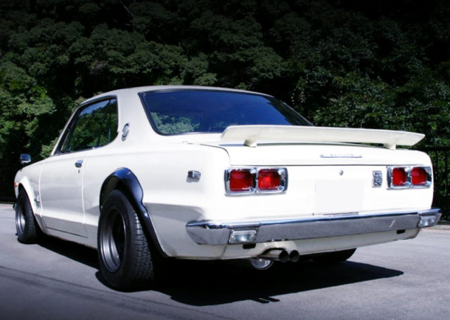 REAR EXTERIOR OF C10 HAKOSUKA 2HT TO GT-R LOOK.