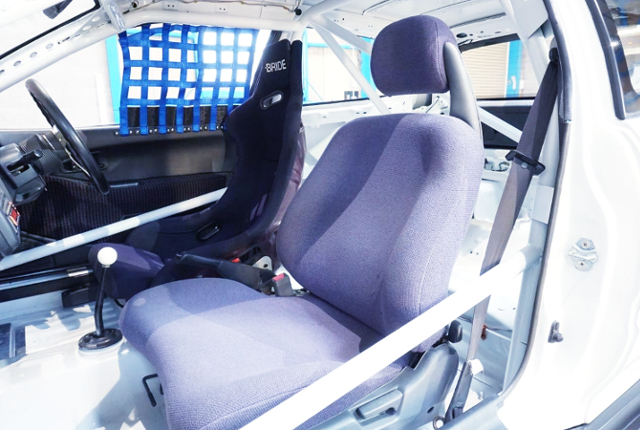 TWO-SEATER CONVERSION TO EG6 CIVIC SiR2 INTERIOR.