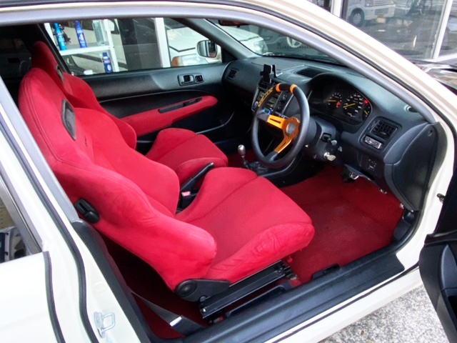 INTERIOR OF EK9 CIVIC TYPE-R.