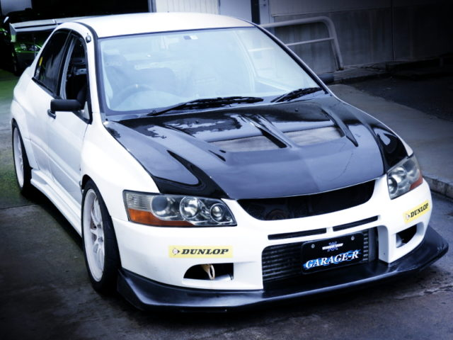 FRONT EXTERIOR OF EVO8RS WIDEBODY.