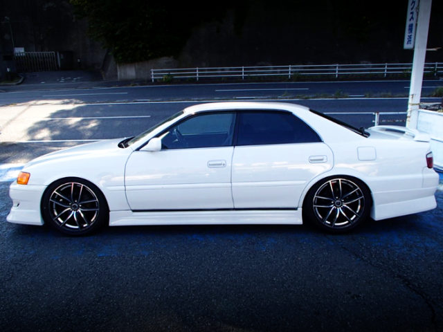LEFT-SIDE EXTERIOR OF JZX100 CHASER GRAND PACKAGE.