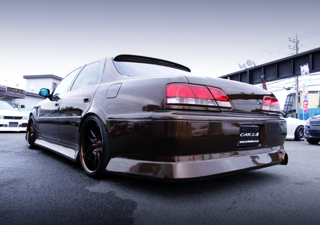 REAR EXTERIOR OF JZX100 CRESTA ROULANT G.
