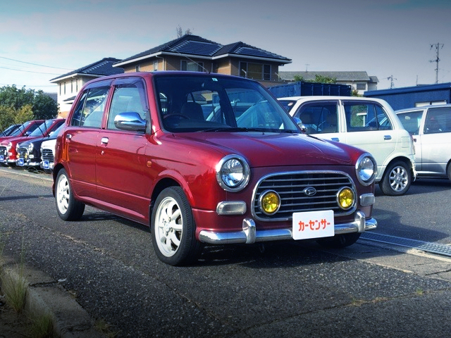 FRONT EXTERIOR OF 1st Gen MIRA GINO TO WINE RED.
