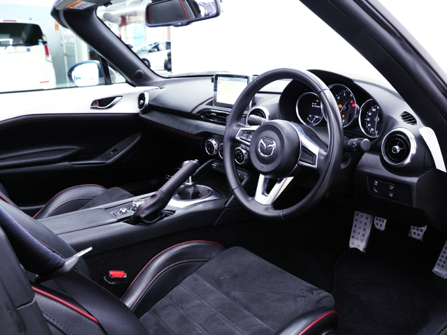 INTERIOR OF NDERC ROADSTER RF RS.