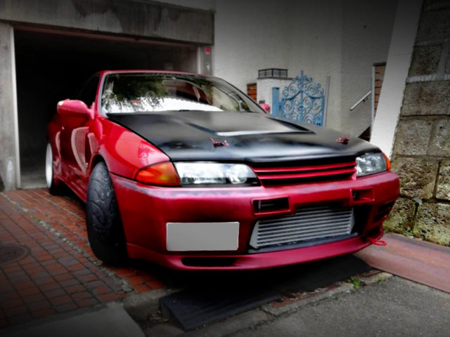FRONT EXTERIOR OF R32 GT-R V-SPEC TO RED PAINT.