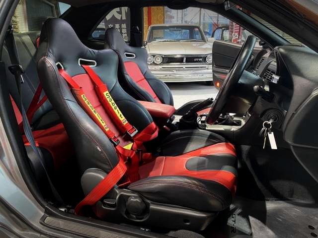 R34 GT-R SEATS.