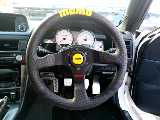 MOMO STEERING And NISMO 320km SCALE CLUSTER.