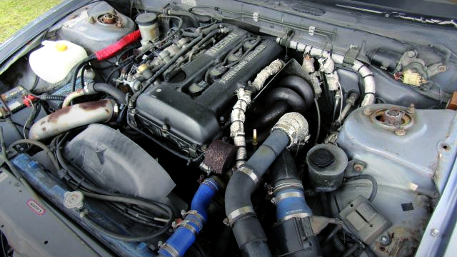 SR20DET TURBO ENGINE.