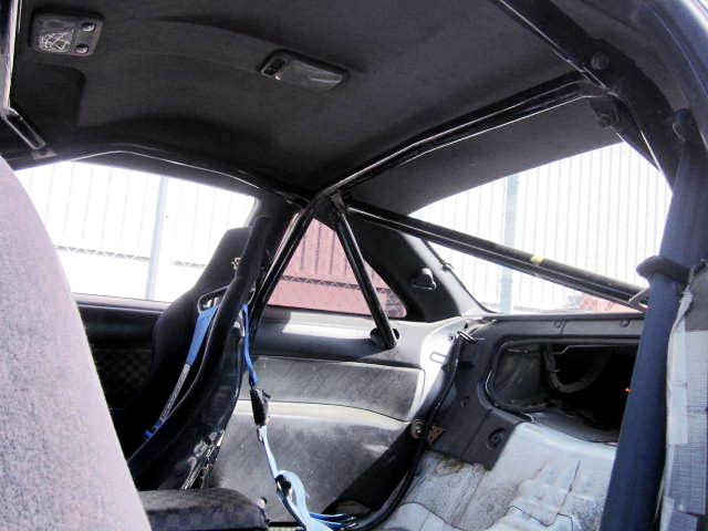 ROLL CAGE INSTALLED S14 SILVIA INTERIOR.