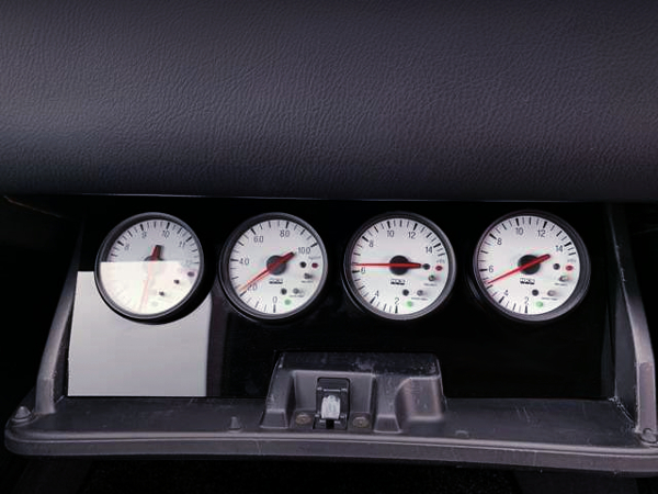HKS GAUGES INTO GLOVE COMPARTMENT.
