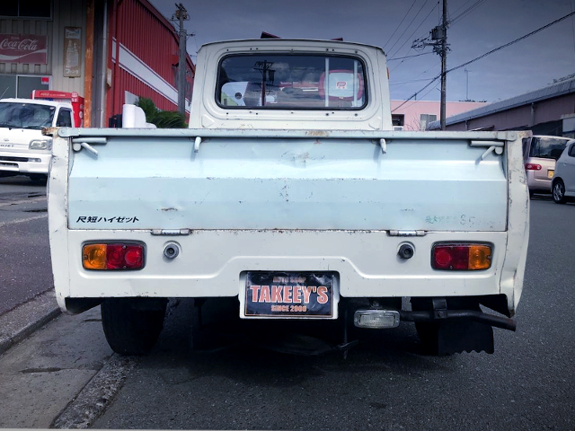 REAR TAIL LIGHT OF S37P HIJET TRUCK.