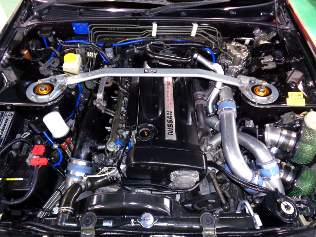 RB26DETT With APEXi AX TWIN TURBO ENGINE.