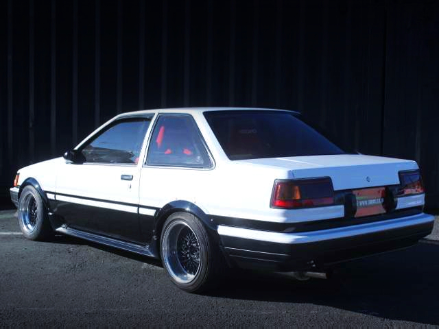 REAR EXTERIOR OF AE85 LEVIN.