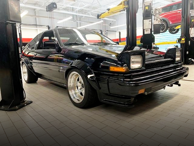 FRONT EXTERIOR OF AE86 COROLLA GTS.
