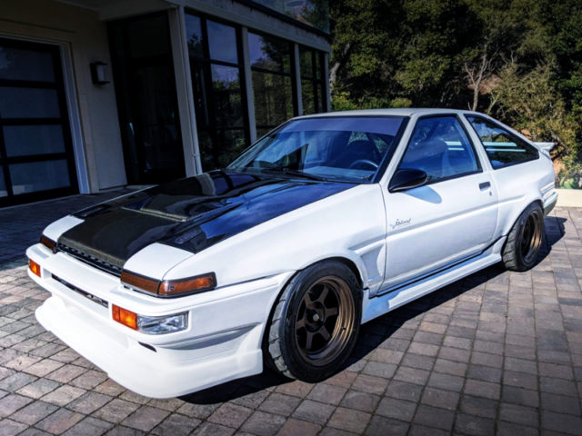 FRONT EXTERIOR OF AE86 COROLLA GT-S.