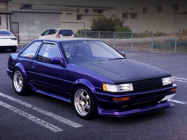 FROMNT EXTERIOR OF AE86 LEVIN PURPLE.