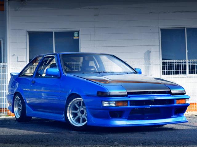 FRONT EXTERIOR OF AE86 TRUENO GT-APEX BLUE.