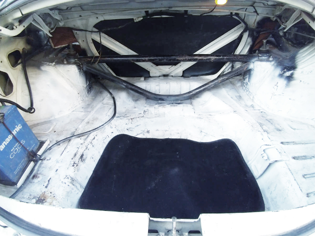 TRUNK SPACE OF EVO5 RS.