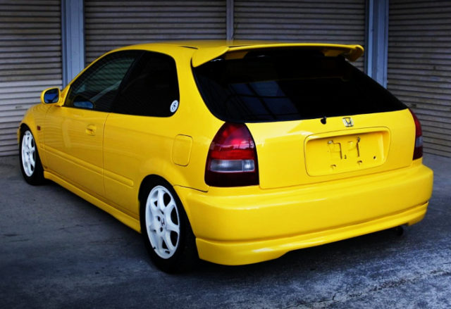 REAR EXTERIOR OF EK3 CIVIC VTi TO TYPE-R CONVERSION.