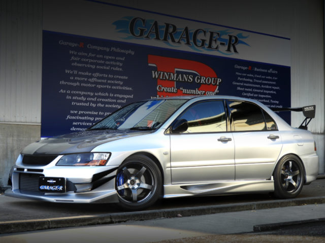 FRONT EXTERIOR OF EVO8 MR GSR.