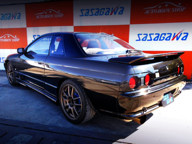 REAR EXTERIOR OF HNR32 SKYLINE 2-DOOR GTS-4 BLACK.