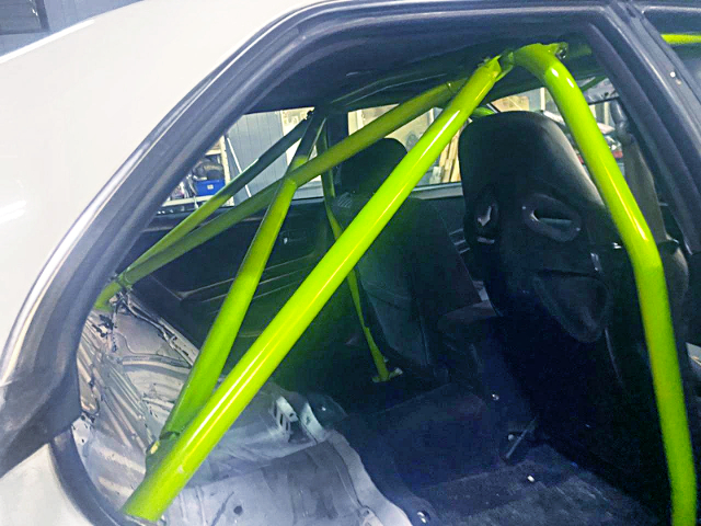 BACKSEAT DELETE AND ROLL CAGE INSTALL.