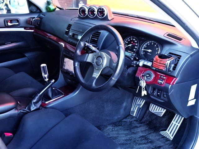 INTERIOR OF JZX110 MARK2 iR-V.