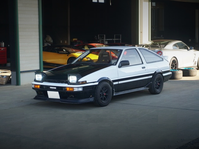 FRONT EXTERIOR OF LEVIN TO TRUENO CONVERSION.