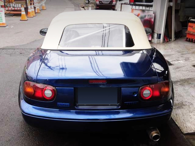 REAR TAILLIGHT OF NA6CE ROADSTER.