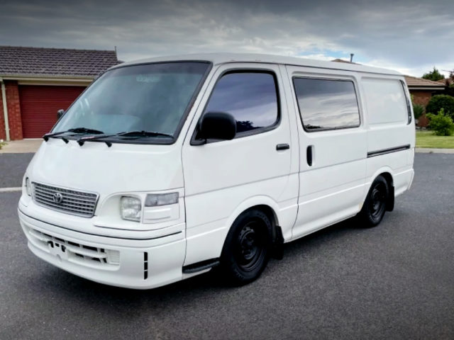 FRONT EXTERIOR OF H100 TOYOTA HIACE WHITE.