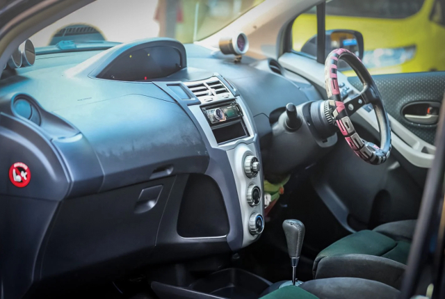 DASHBOARD OF 2nd Gen TOYOTA YARIS.