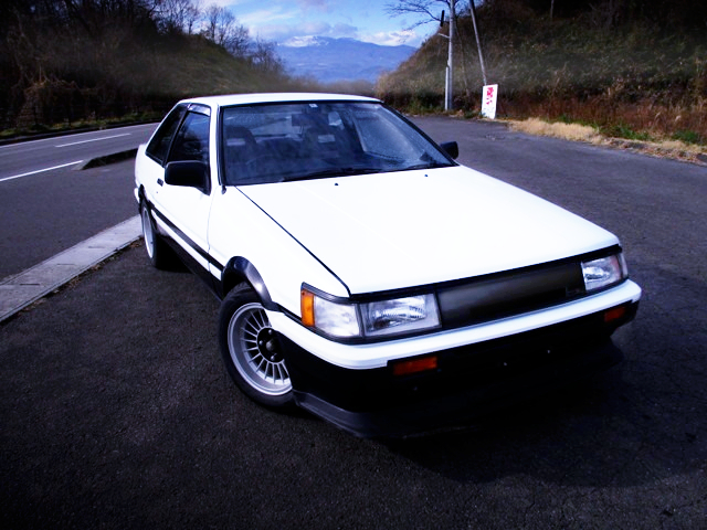 FRONT EXTERIOR OF AE86 LEVIN GT.