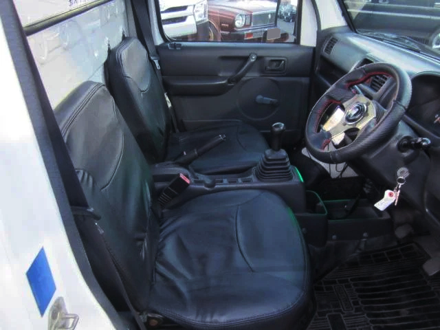 INTERIOR OF DA63T SUZUKI CARRY TRUCK.
