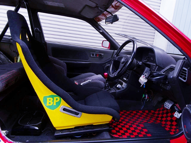 INTERIOR OF EF3 GRAND CIVIC HATCH Si EXTRA.