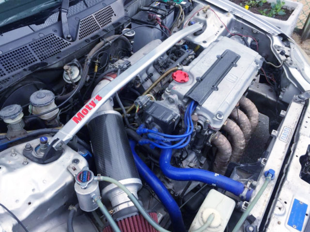 B18CR VTEC ENGINE With TODA HIGH COMP PISTONS.