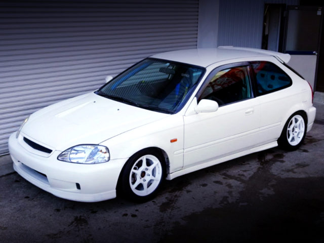 FRONT EXTERIOR OF EK9 CIVIC TYPE-R TO CHAMPIONSHIP WHITE.
