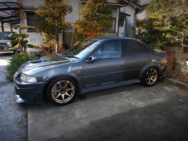 LEFT-SIDE EXTERIOR OF EVO6 RS.