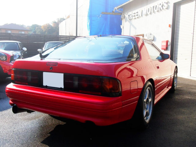 REAR EXTERIOR OF FC3S RX7 GTX TO RED.