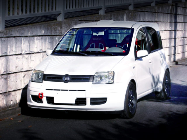 FRONT EXTERIOR OF 2nd Gen FIAT PAND 4X4 CLIMBING WIDEBODY.
