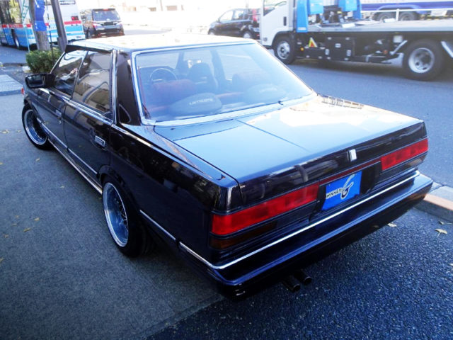 REAR EXTERIOR OF GX71 CHASER TO BLACK.