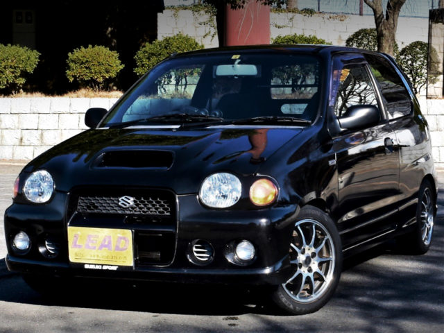FRONT EXTERIOR OF HA22S ALTO WORKS RSZ TO BLACK.